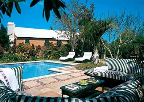 Bể bơi trong nhà các 'sao' Hollywood
