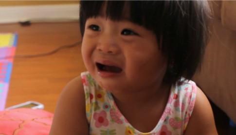 Bé hay gào khóc, bướng bỉnh từ khi đi nhà trẻ