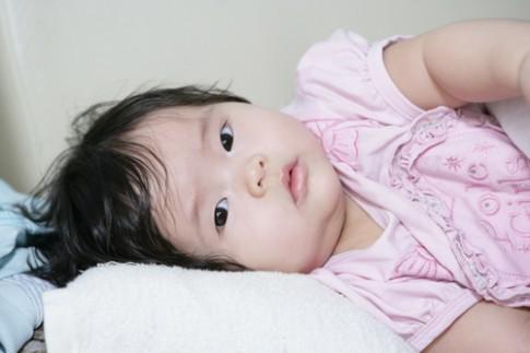 Bé Quỳnh Anh dễ thương