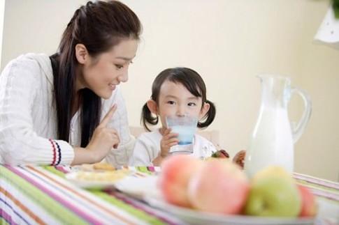 Bí quyết chọn thức uống dinh dưỡng cho trẻ