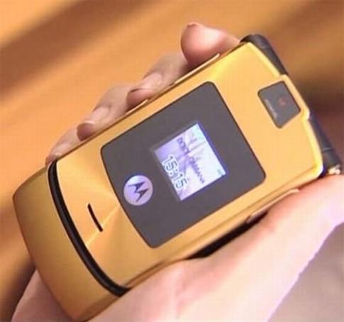 """Bồi hồi trước những mẫu điện thoại """"độc"""" từng dậy sóng một thời"""