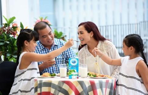 Cách giúp con phát triển toàn diện của cha mẹ Việt