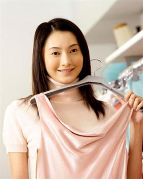 Cách tẩy vết mực dính vào áo quần