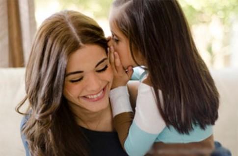 Cách thể hiện đúng tình yêu với con
