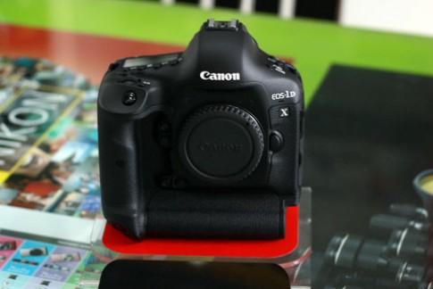 Canon 1D X giá 171 triệu về Việt Nam