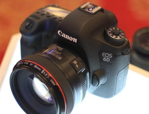 Canon 6D bắt đầu bán tại VN, giá chính hãng 46 triệu đồng