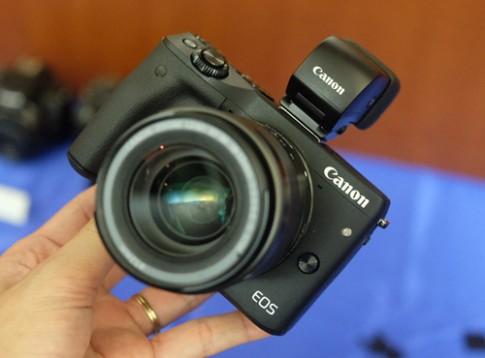 Canon EOS M3 có giá từ 13,3 triệu đồng tại Việt Nam