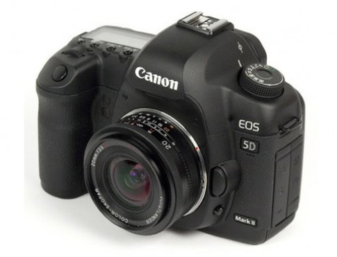 Canon sap co ong 40 mm f28 gia re hon 300 USD