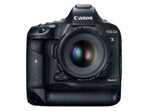 Canon trình làng EOS 1D X Mark II đối đầu Nikon D5