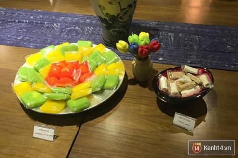 """CEO Google ăn kẹo dồi chó, ngồi trà chanh vỉa hè Hà Nội """"chém gió"""" với Nguyễn Hà Đông"""