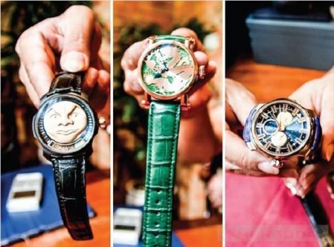 """""""Chơi"""" đồng hồ đeo tay"""