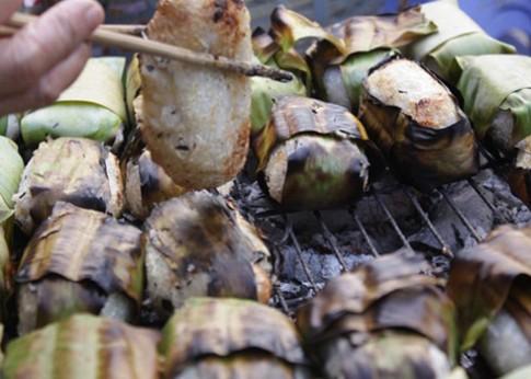Chuối nếp nướng trên phố Sài Gòn