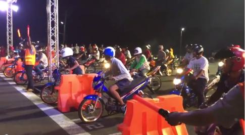 [Clip] Đua xe có tổ chức đầy ấn tượng .