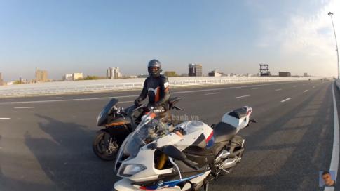 Clip KTM RC8 do suc cung BMW S1000RR va cai ket dang long