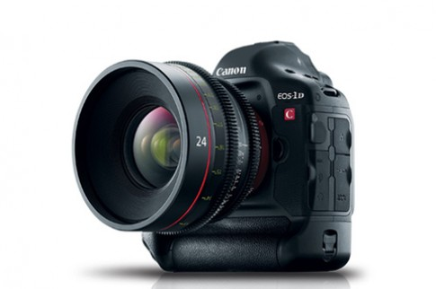 Clip quay thử EOS-1D C đầu tiên