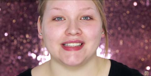 Cô gái gây sốc với clip 'Sức mạnh của trang điểm' hút 9 triệu view