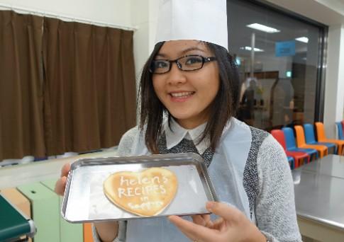 Cô gái với kênh video riêng dạy nấu món ăn Việt