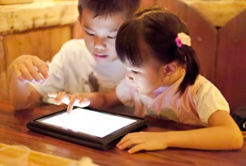 Có nên mua iPad cho con