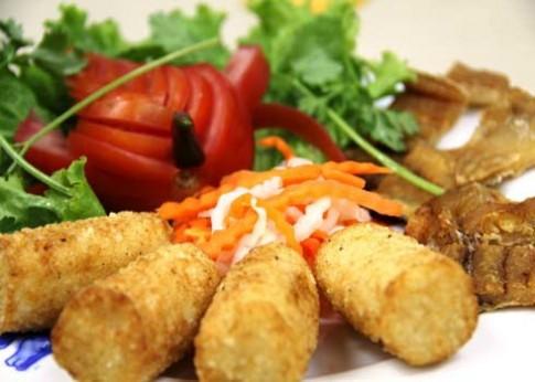 Cơm nắm, món quê thành 'đặc sản' Sài Gòn
