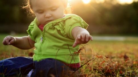Đặc điểm của em bé sinh vào mùa thu