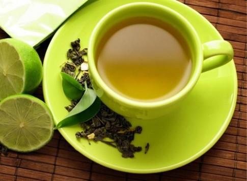 """""""Đại tu"""" da - tóc đón mùa mới với trà xanh"""