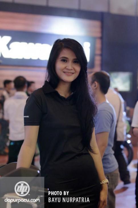 Dàn người mẫu xinh đẹp và sexy trong triển lãm môtô tại Indonesia