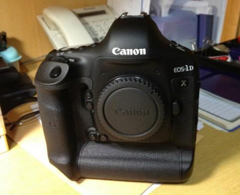 'Đập hôp' Canon EOS 1D X