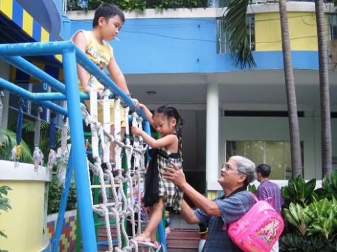 Dạy trẻ 3-5 tuổi không ích kỷ