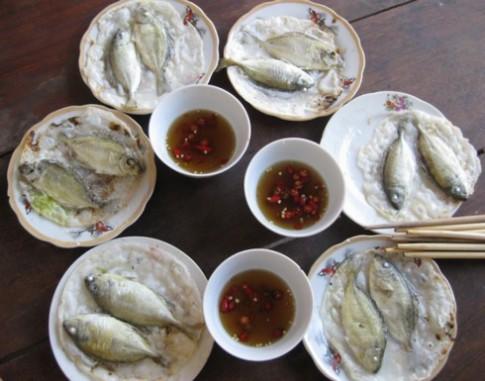 Đi chợ làng Chuồn ăn bánh xèo cá kình