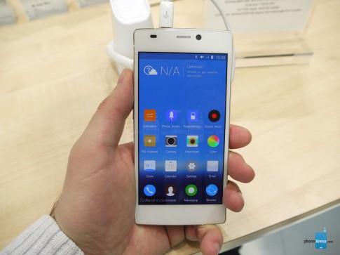 Điểm mặt 10 smartphone mỏng nhất thế giới hiện nay