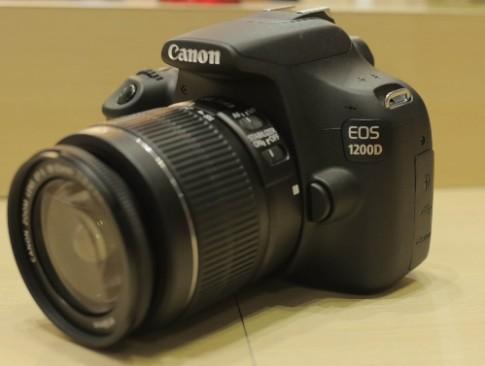 DSLR nhỏ gọn Canon 1200D về VN với giá 11,9 triệu đồng