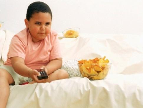 Ép trẻ ăn nhiều chất béo - Hậu quả khôn lường