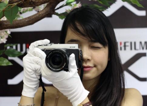 Fujifilm giới thiệu X-E2 và XQ1 tại Việt Nam