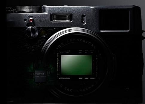 Fujifilm X200 có thể trang bị cảm biến full-frame