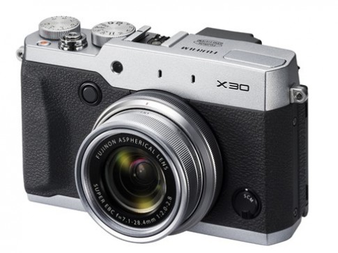 Fujifilm X30 trình làng với kính ngắm điện tử
