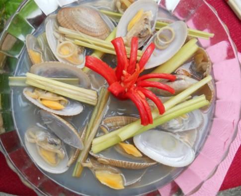Giòn ngọt sò lụa Hội An