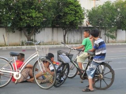 Giúp trẻ sống tự lập dịp hè