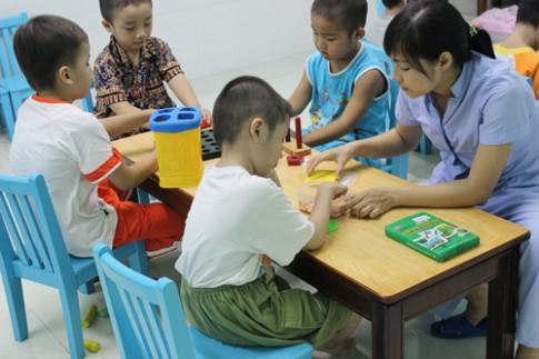 Giúp trẻ tự kỷ phát triển ngôn ngữ