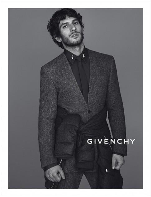 Givenchy – Kẻ nổi loạn từ nước Pháp