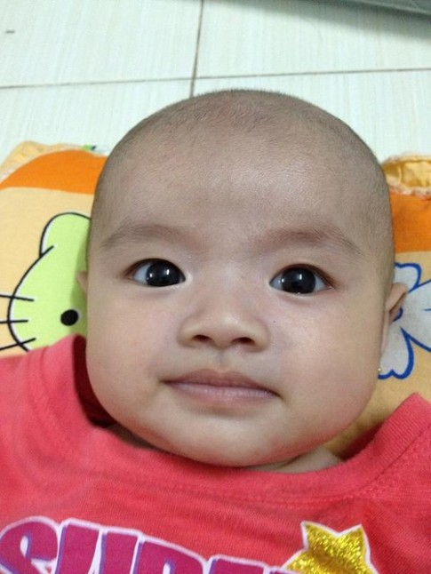 Gương mặt biểu cảm của bé Tina