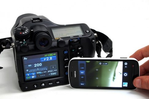 Hai camera 40 'chấm' so tài chụp ảnh