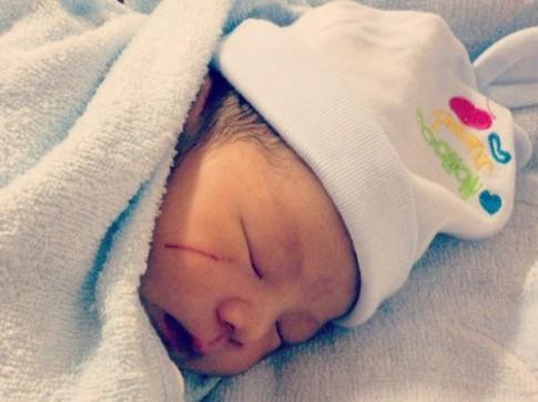 Hình ảnh đáng yêu của bé Công Minh