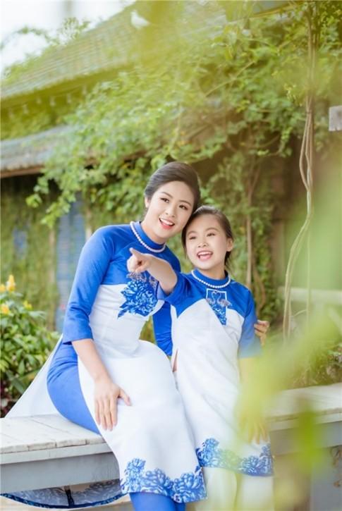 """Hoa hậu Ngọc Hân bất ngờ khoe """"con gái"""" xinh như thiên thần"""