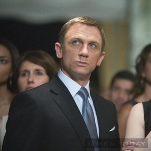 Học cánh phối cravat lịch lãm như James Bond