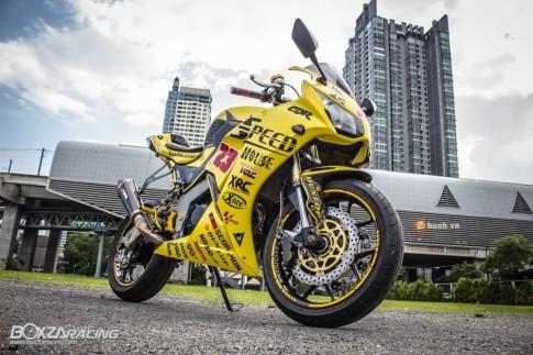 Honda CBR150R độ nổi bật trong bộ cánh đầy bắt mắt