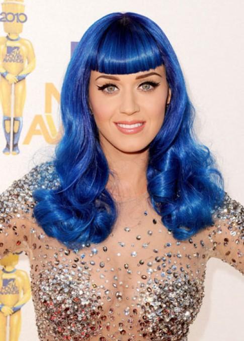 Katy Perry hóa 'tắc kè hoa' với các màu tóc nhuộm