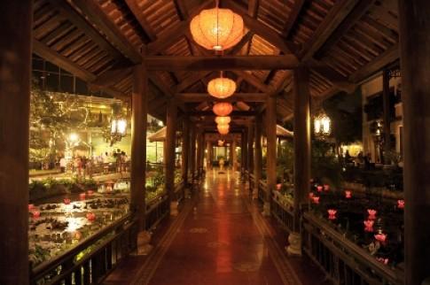 Khu văn hóa ẩm thực Sen Tây Hồ mừng ngày Đại lễ