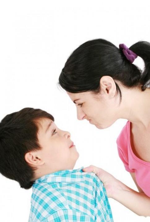 Kiềm chế cơn giận mất khôn khi dạy con