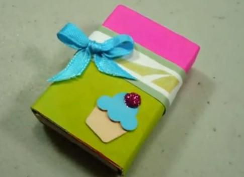 Làm hộp quà trang trí