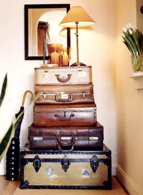 Làm tủ từ những chiếc vali